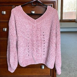 Chenille chunky v-back sweater - size Small.